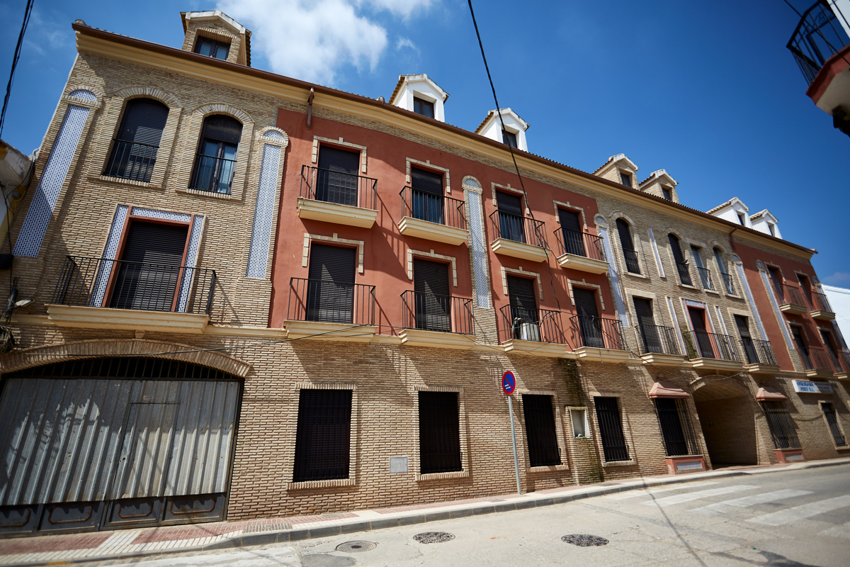 Promoción Obra nueva 28 viviendas y bajos comerciales